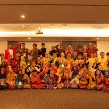 Toetik Lolos SOAR Camp di Bali
